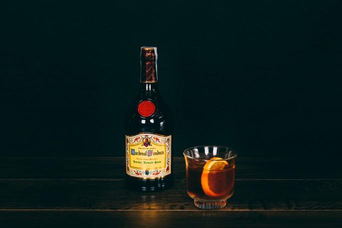 justshakeorsitr georgi petrov mas fuerte cocktail 2